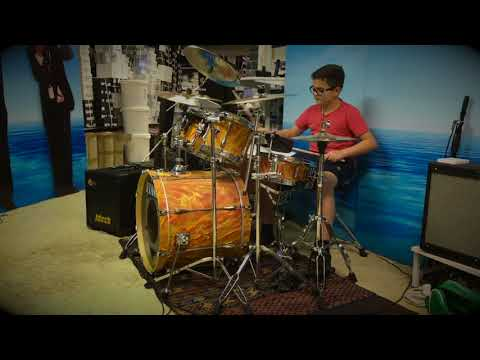 Mötley Crüe Shout at the Devil Drum Cover 11 years old drummer