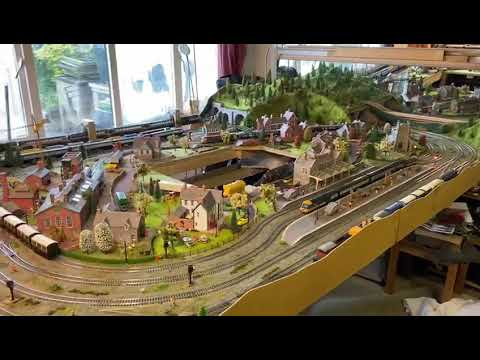 Hornby 00 model train layout 10x6ft.happy lockdown days