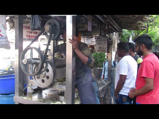 INDIA - Sugar cane juice, Mumbai