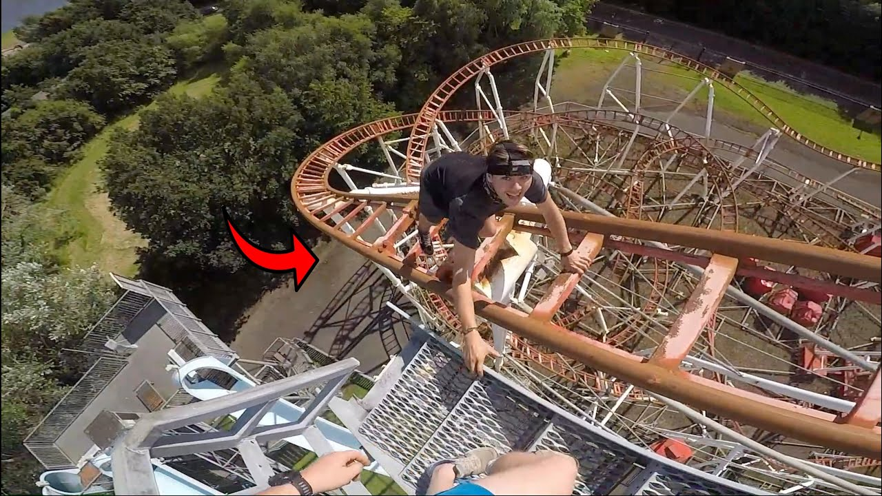 CLIMBING ROLLERCOASTER WHILST IT'S OPEN