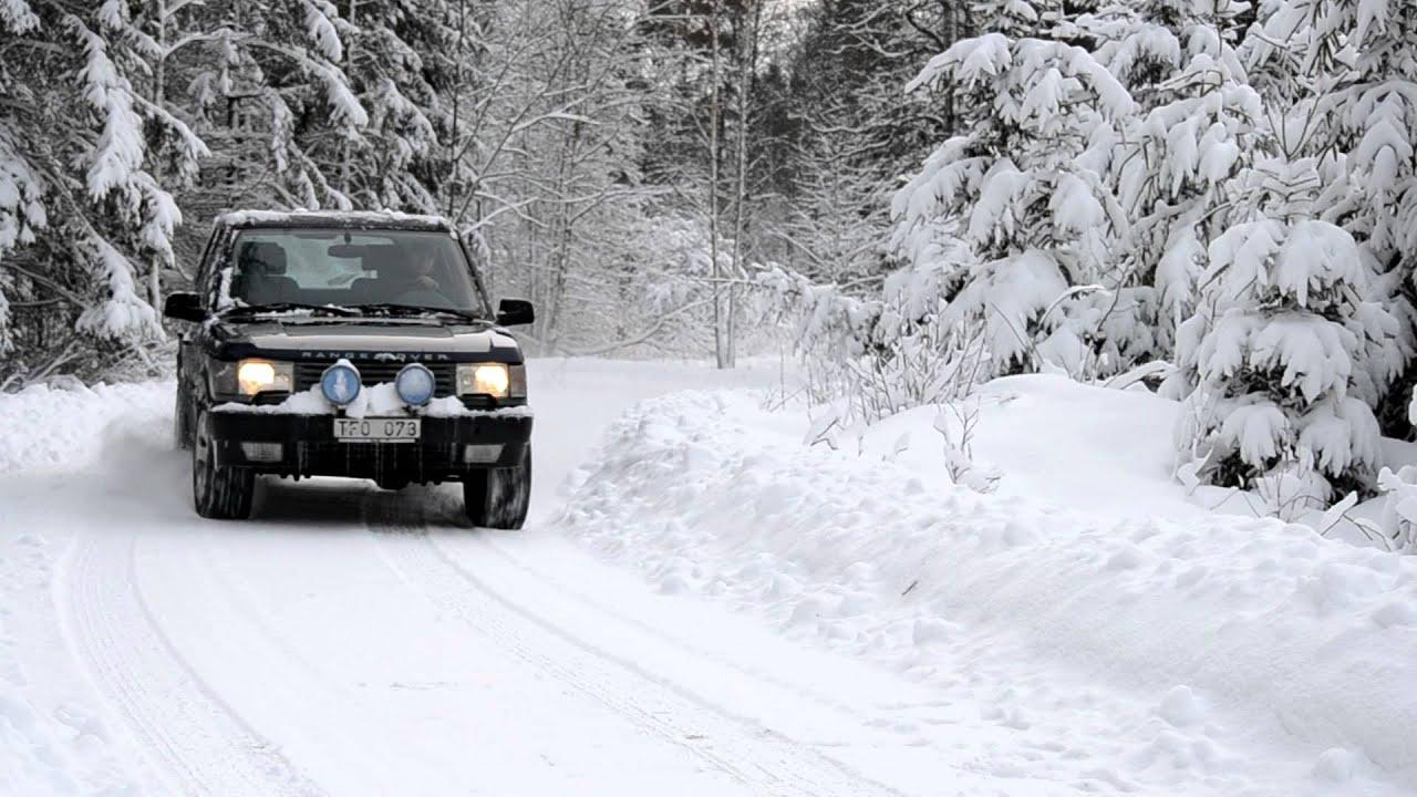 P38 Range Rover in snow