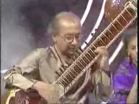 Raag Kirwani by Pandit Nikhil Banerjee with Pandit Anindo Chatterjee (Tabla) at Eastern Eye