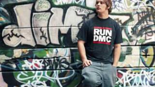 Watch Mc Lars Mr Raven video