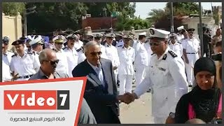 بالفيديو.. زكريا عزمى يظهر فى جنازة حكمدار القاهرة بمسجد السيدة نفسية