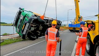 BERGING : Volvo FM vrachtwagen gekanteld op dijk Lelystad / Enkhuizen 🚛👷🏻 thumbnail