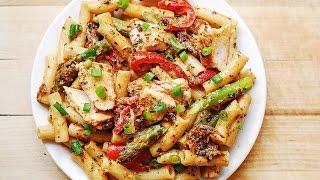 Creamy Chicken Alfredo pasta recipe -- Delicious and easy chicken Alfredo pasta
