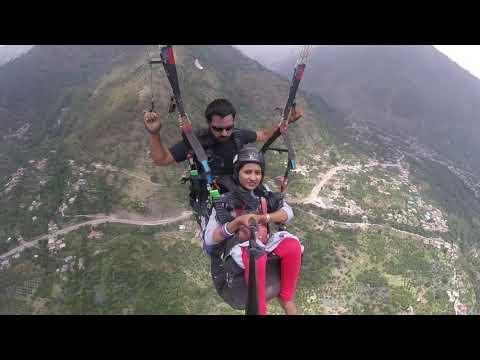 Paragliding brave lady video in manali