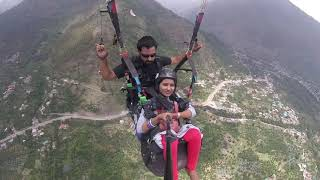 Paragliding brave lady video in manali