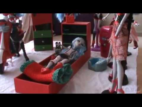 monster high meubles 3 chambre de ghoulia youtube. Black Bedroom Furniture Sets. Home Design Ideas