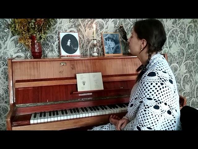 Изображение предпросмотра прочтения – ЕленаАксенова читает произведение «Бабушке» М.И.Цветаевой