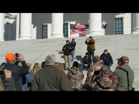 2nd Amendment supporters converge on Richmond Virginia.