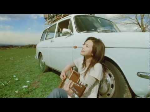 YUI 『Laugh away 〜YUI Acoustic Version〜-short ver.-』