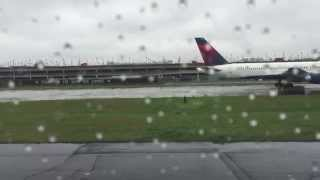 American Airlines Jet Taking off from Hartsfield-Jackson Atlanta International Airport