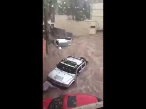 #Video #Viral Impresionante Fuertes Lluvias Inundaciones En Chihuahua Arrastran Autos De Lujo