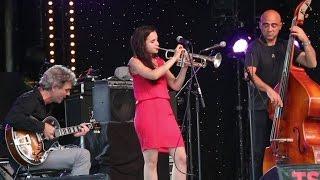 "Fats WALLER ""Jitterbug Waltz"" - Andrea MOTIS voice, trumpet, Joan CHAMORRO & Josep TRAVER guitar"