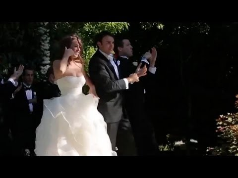 'Call Me Maybe' Wedding Flash Mob Gets All The Guests Dancing (VIDEO)