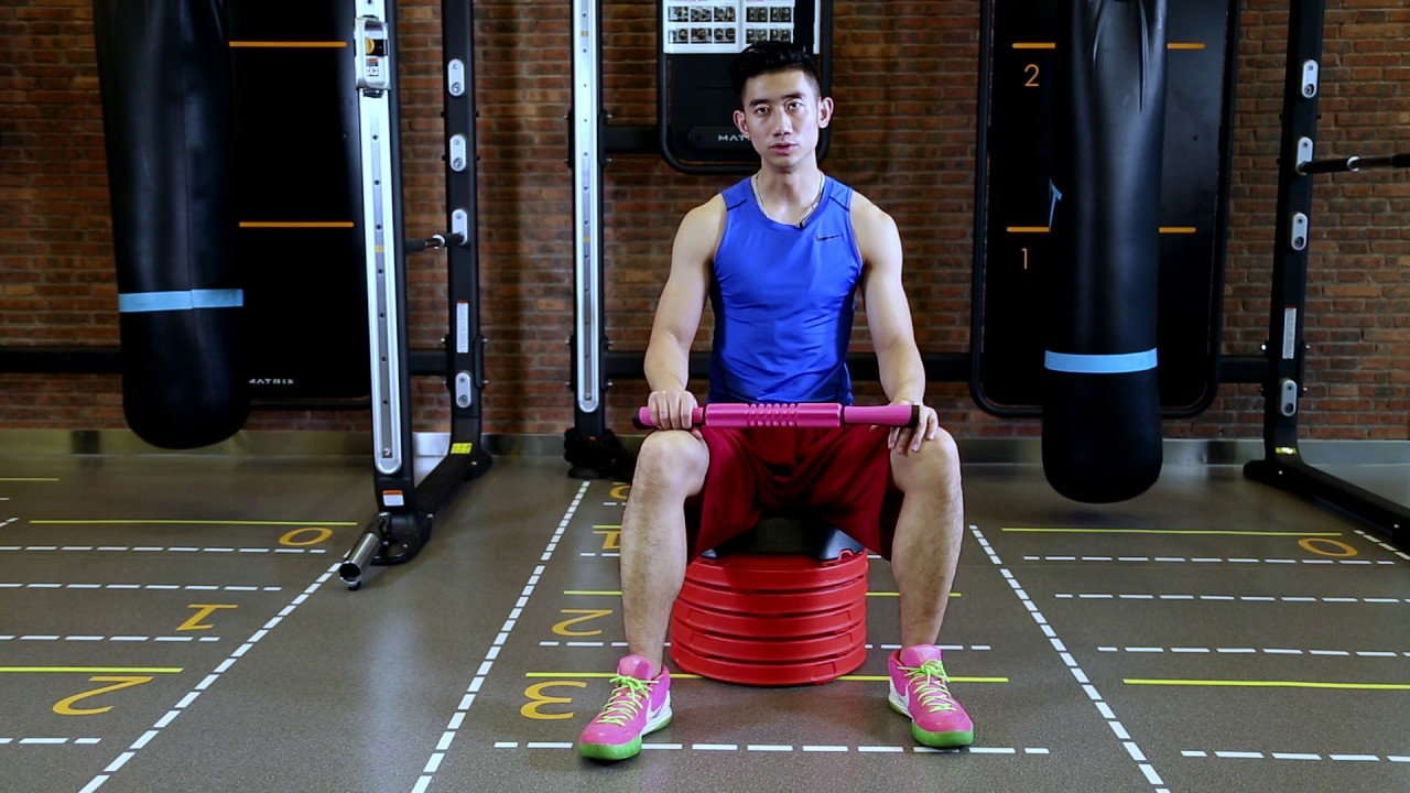 如何深層放鬆小腿肌肉ALTUS按摩器 按摩滾輪棒 - YouTube