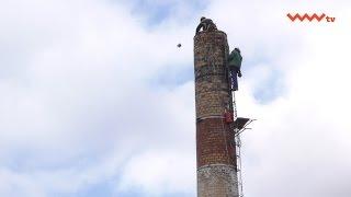 #Aktualności - Rozbiórka części komina starej gorzelni