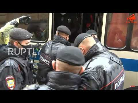 Russia: Protesters Detained Outside Moscow Police Headquarters