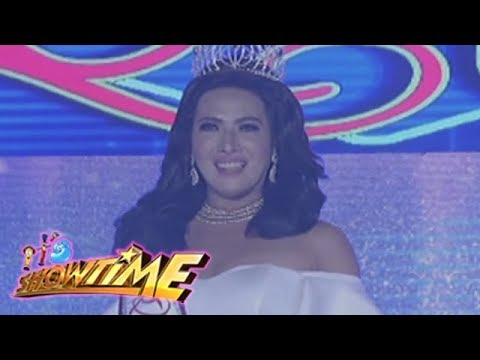 It's Showtime Miss Q & A: Xiah Quilicol retains her Miss Q and A title.