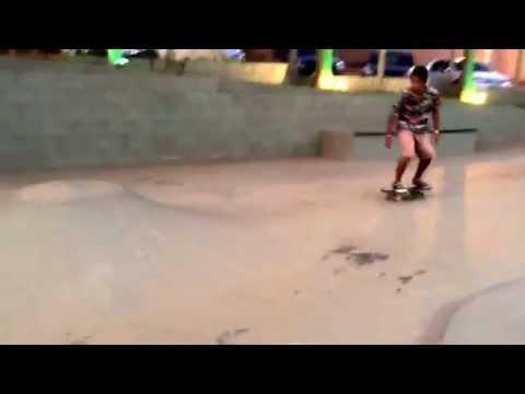 Luis no vulcaozinho da Edem skateboard