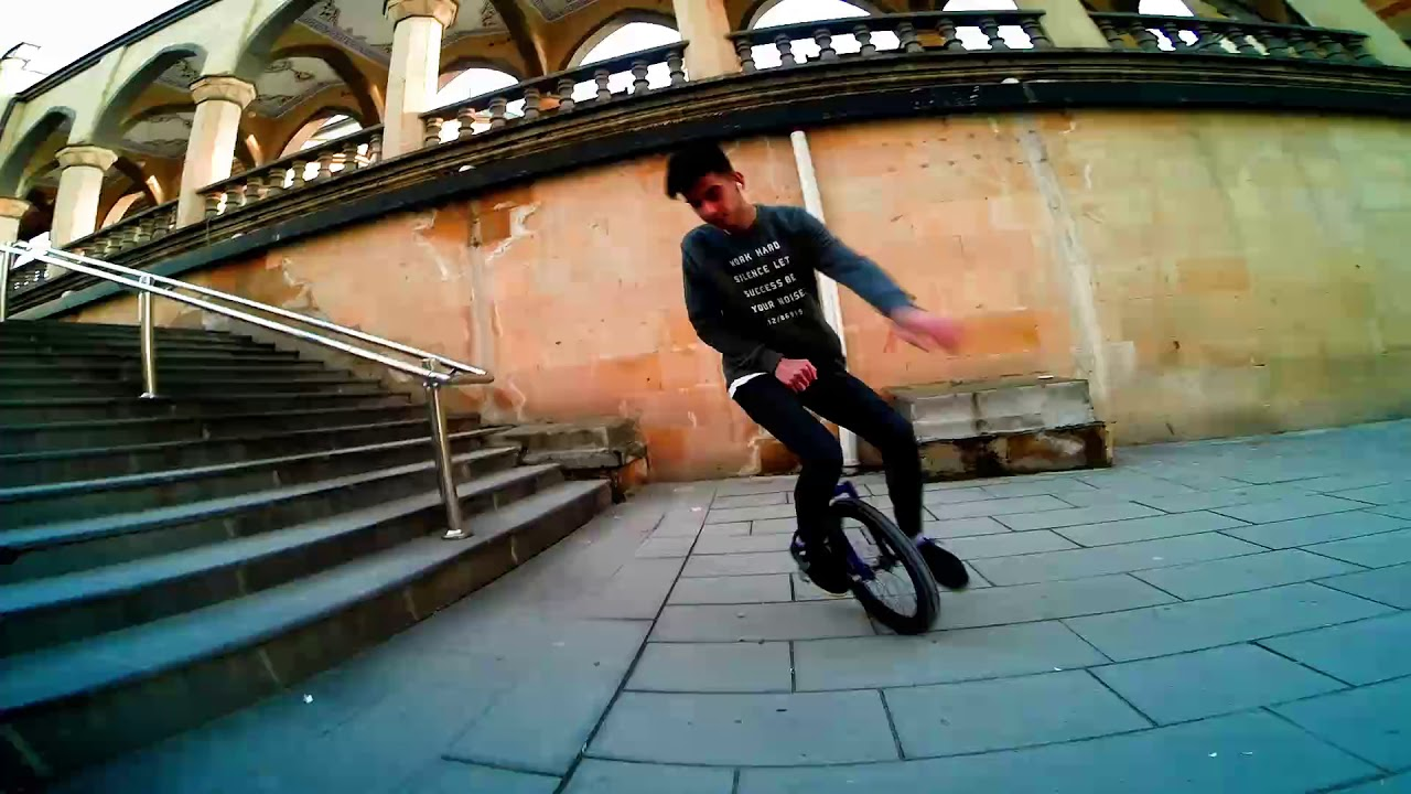 Unicycle/الدراجة الاحادية