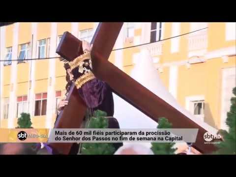 Milhares de pessoas participam da procissão do Senhor dos Passos em Florianópolis