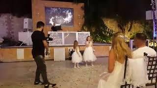 Свадьба поют дети