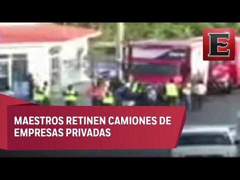 CNTE bloquea carreteras en Oaxaca