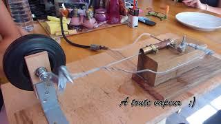 Une petite machine à vapeur