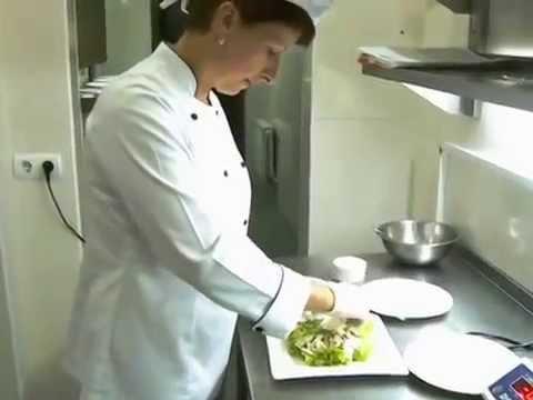 Ресторан Чарда.Відео рецепт.Салат із виноградом, грецьким горіхом та сиром Дор блю без регистрации и смс