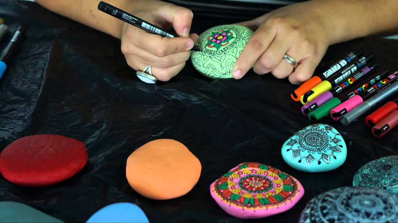 Diy pintar mandalas en piedras youtube for Piedras decorativas jardin