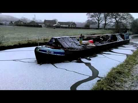 Ice breaker delivers coal on Macclesfield canal