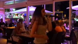 Paguera Karaoke Party im Restaurant Rendezvous(, 2015-07-20T20:00:35.000Z)