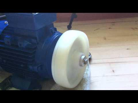 Stufenlose Drehahlregelung mit Frequenzumrichter und Elektromotor
