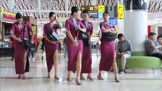 Pramugari Cantik Lion Air, Garuda Indonesia, Batik Air dan Sriwijaya Air - Bandara Sultan Hasanuddin