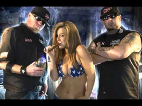 moonshine bandits whiskey and cigarettes