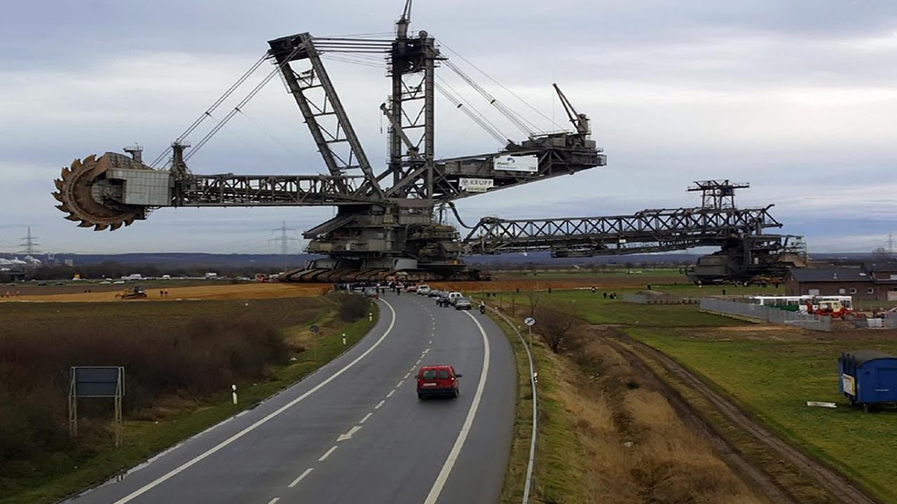 The single largest land vehicle on earth