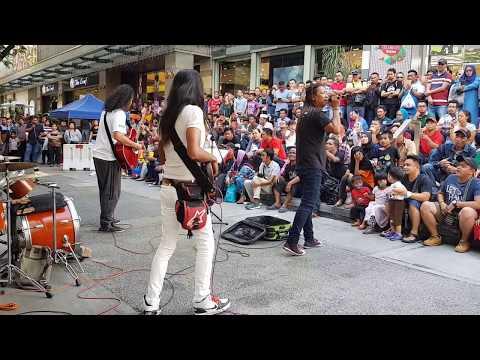 BIAR PUTIH TULANG-kumpulan Dinamik Feat Sentuhan Buskers