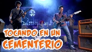 Tocando la mejor canción de Halloween en las tinieblas con guitarra | Guitarraviva