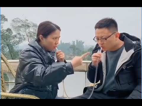 Funny couple: Spoof no way