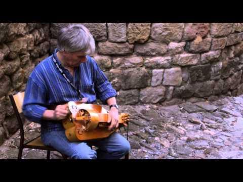 Bryan Tolley luthier ,vièle à roue, instrument anciens.Hurdy Gurdy !