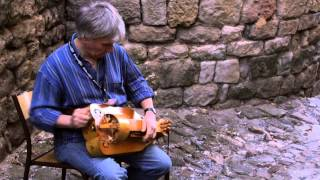 Bryan Tolley luthier ,vièle à roue, instrument anciens.Hurdy Gurdy !