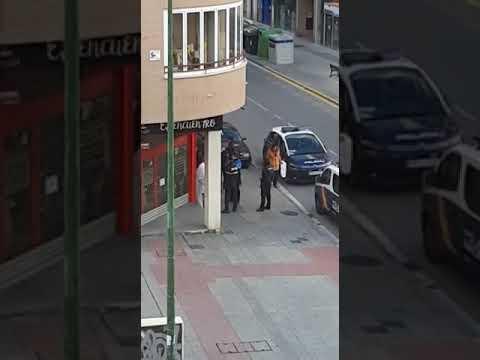 Bajan a la compra vestidos con túnicas romanas en Aranda y la Policía les identifica