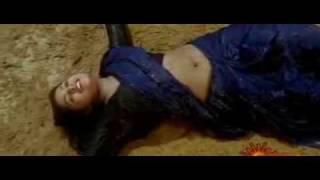 vuclip Mallu beauty Sindhu Menon wet in saree video