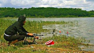 ВЕЛО РЫБОЛОВНЫЙ ПОХОД Ловля рыбы в водохранилище на фидер Поклёвки на фидер крупным планом
