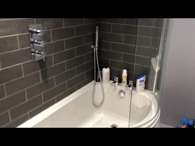 Family bathroom with P bath