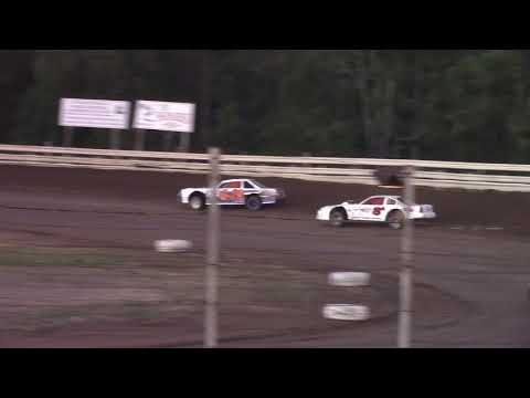 Hummingbird Speedway (9-15-18): Sunny 106.5 FM Pure Stock Heat Race #2