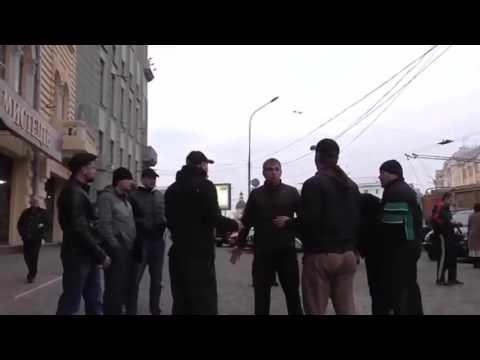 Драка в центре города!!!  Активисты Стопхам используют газовый баллончик !!!