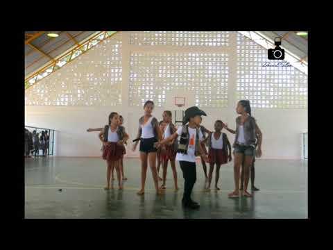 Apresentação de dança do povoado da Angélica. ( Planaltino-Ba )